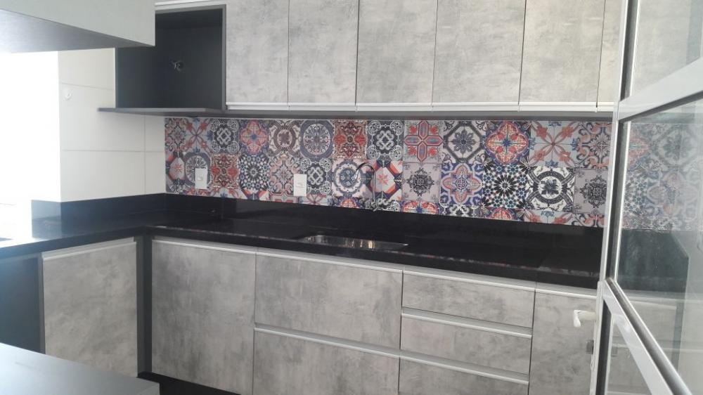 Alugar Casa / Sobrado em Bonfim Paulista R$ 1.800,00 - Foto 1