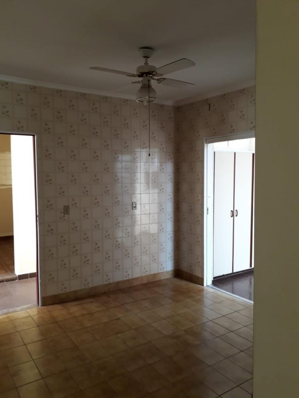 Comprar Casa / Padrão em Ribeirão Preto R$ 425.000,00 - Foto 2