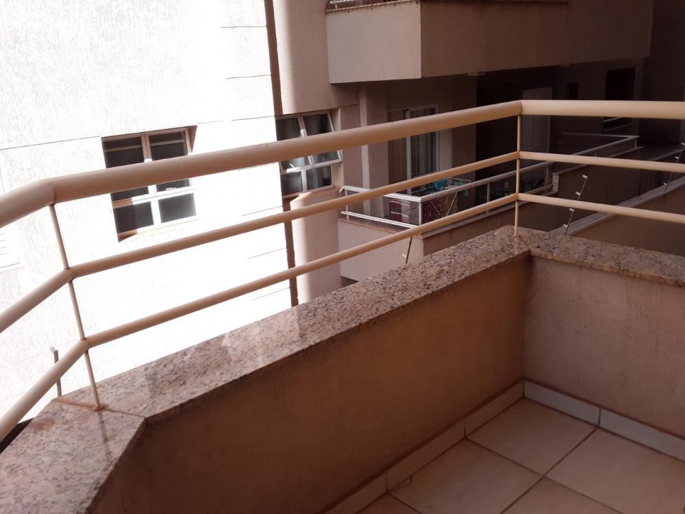 Alugar Apartamento / Padrão em Ribeirão Preto R$ 1.100,00 - Foto 3