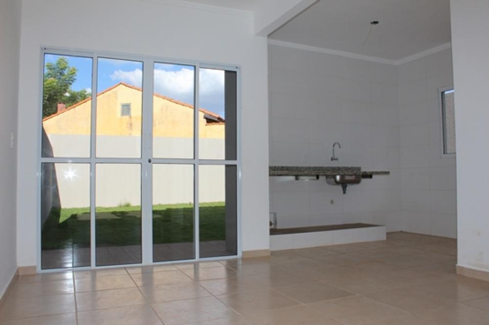 Comprar Casa / Sobrado em Bonfim Paulista R$ 349.000,00 - Foto 3