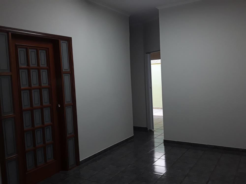 Alugar Casa / Padrão em Ribeirão Preto R$ 2.900,00 - Foto 7