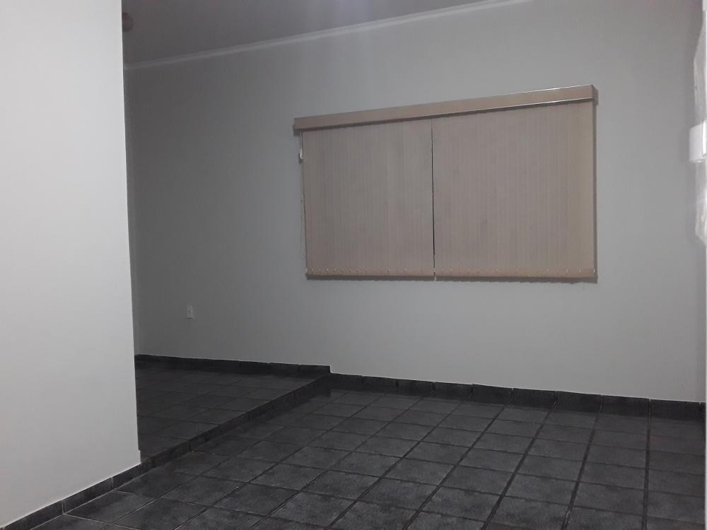 Alugar Casa / Padrão em Ribeirão Preto R$ 2.900,00 - Foto 16
