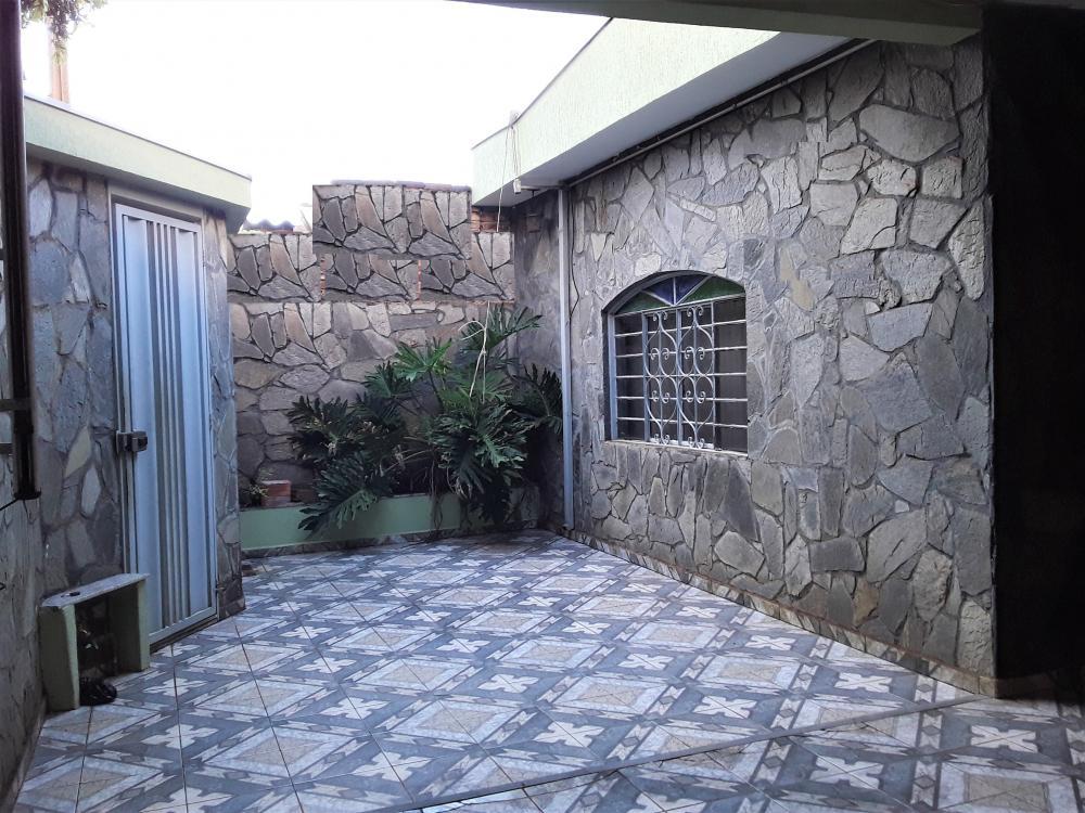 Alugar Casa / Padrão em Ribeirão Preto R$ 2.900,00 - Foto 1