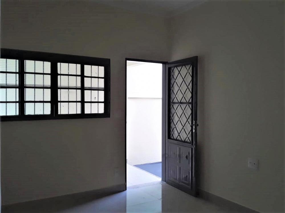 Comprar Casa / Padrão em Ribeirão Preto R$ 199.000,00 - Foto 1