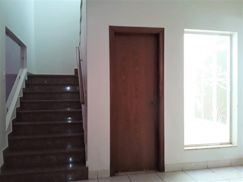 Alugar Casa / Sobrado em Ribeirão Preto R$ 3.600,00 - Foto 3