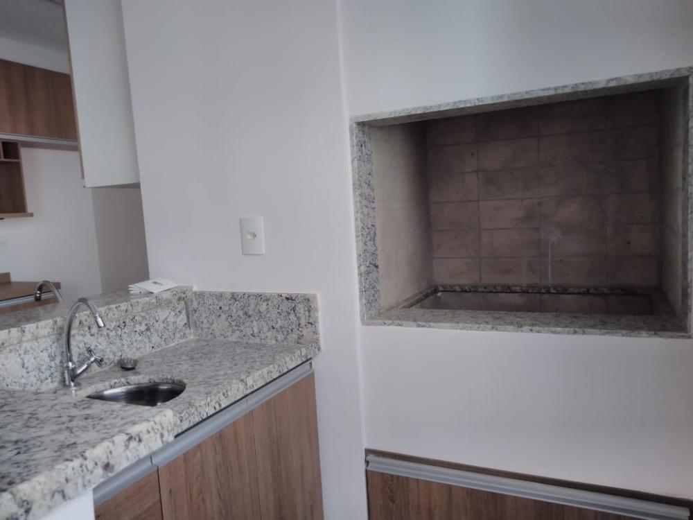 Alugar Apartamento / Padrão em Ribeirão Preto R$ 1.600,00 - Foto 6