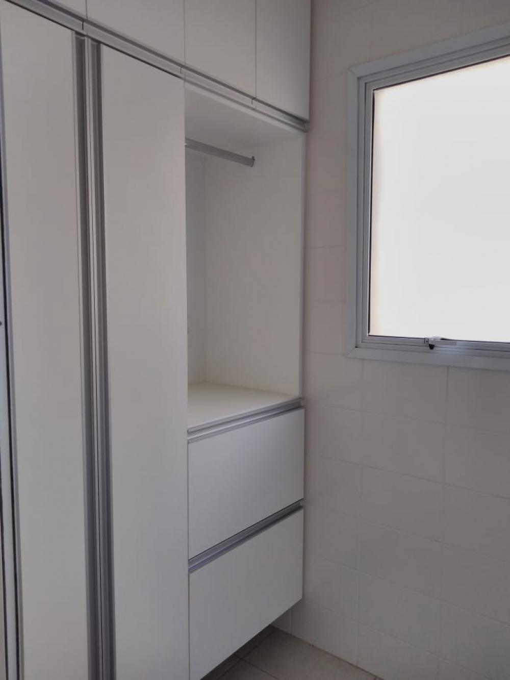 Alugar Apartamento / Padrão em Ribeirão Preto R$ 1.600,00 - Foto 9