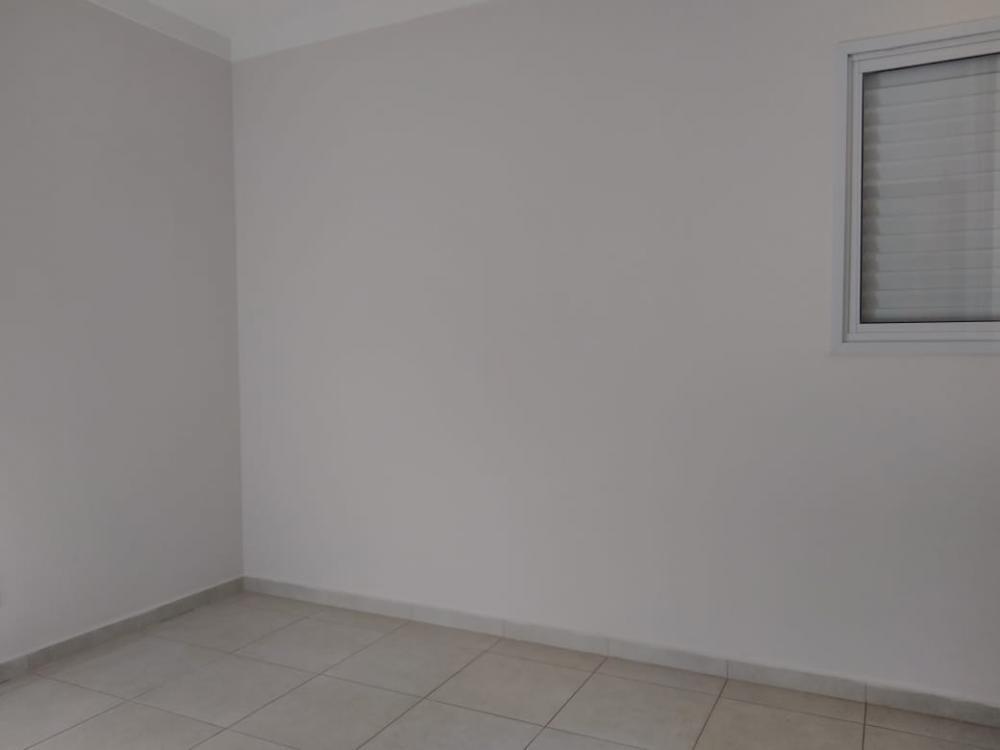 Alugar Apartamento / Padrão em Ribeirão Preto R$ 1.600,00 - Foto 11