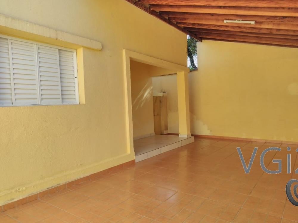 Alugar Casa / Padrão em Ribeirão Preto R$ 1.550,00 - Foto 1