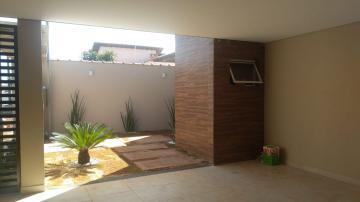 Alugar Casa / Padrão em Cravinhos. apenas R$ 500.000,00