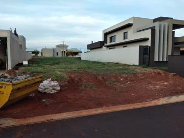 Alugar Terreno / Condomínio em Cravinhos. apenas R$ 330.000,00