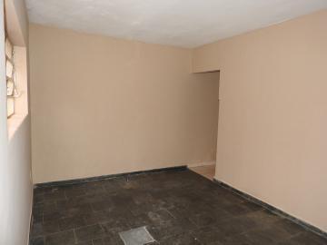Alugar Apartamento / Térreo em Ribeirão Preto. apenas R$ 850,00