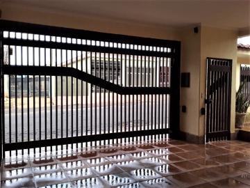 Alugar Casa / Padrão em Bonfim Paulista. apenas R$ 530.000,00