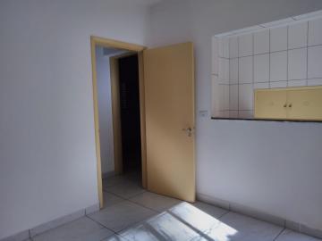 Alugar Casa / Padrão em Ribeirão Preto R$ 1.550,00 - Foto 5