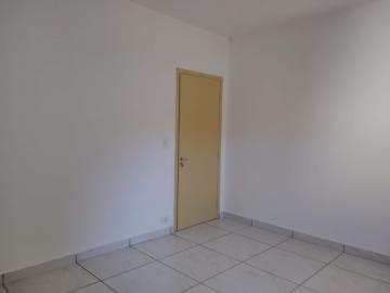 Alugar Casa / Padrão em Ribeirão Preto R$ 1.550,00 - Foto 12